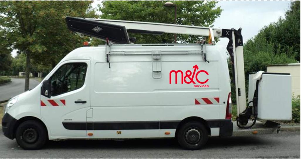 Nacelles a louer | M&C Services ☎ 0475 23 84 84 | Location de nacelles dans la région de Merchtem ✅ de 17 à 32 mètres ✅ permis B ✅ prix à partir de 200€
